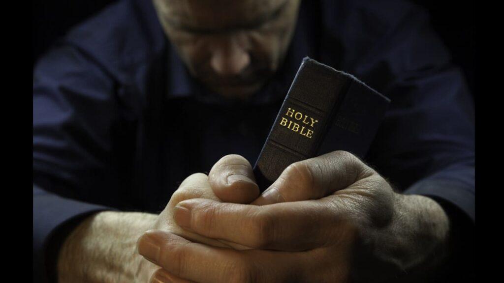 orar antes de ler a biblia