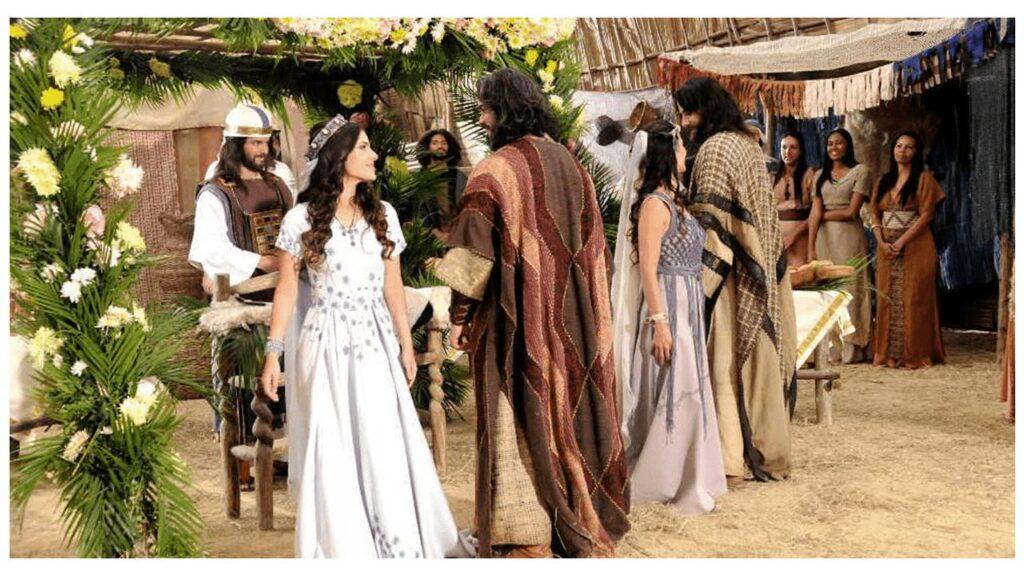 Casal dos tempos bíblicos em festa de cerimonia